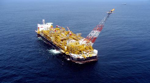 Wie schnell die Tiefsee von der Industrie erobert wird, zeigt der franzšsische Erdšlkonzern Total vor Angola. Die Anlagen wurden in nur drei Jahren errichtet.